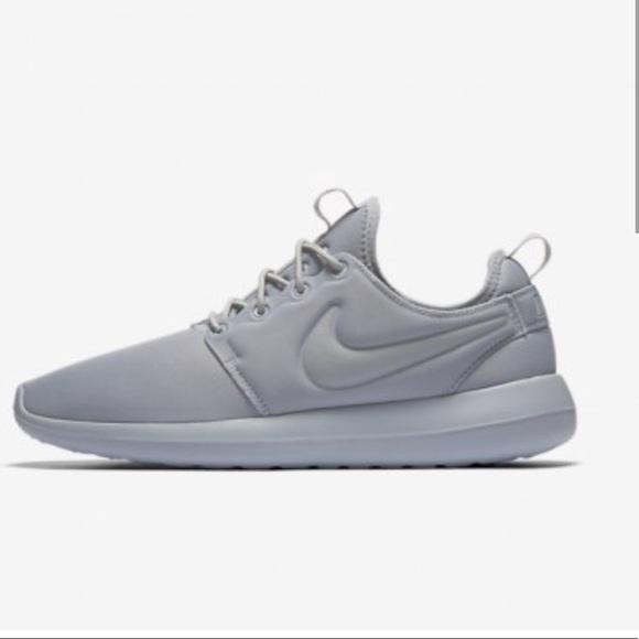 Brand new! Nike Roshe Two in grey!